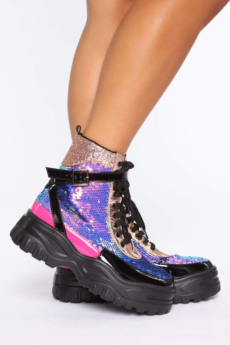 Strong And Independent Boots - Multi