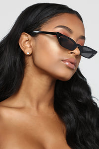 You Used To Have It All Sunglasses - Black