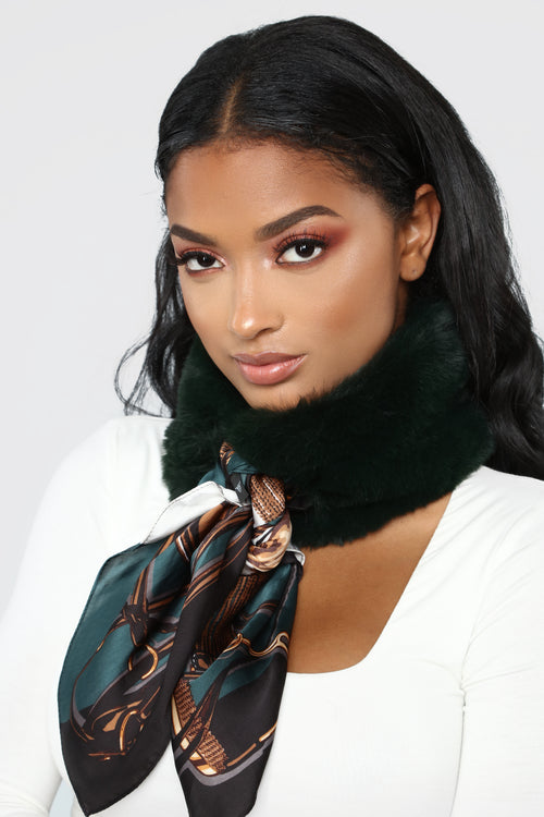 Her Mess Fur Scarf - Olive