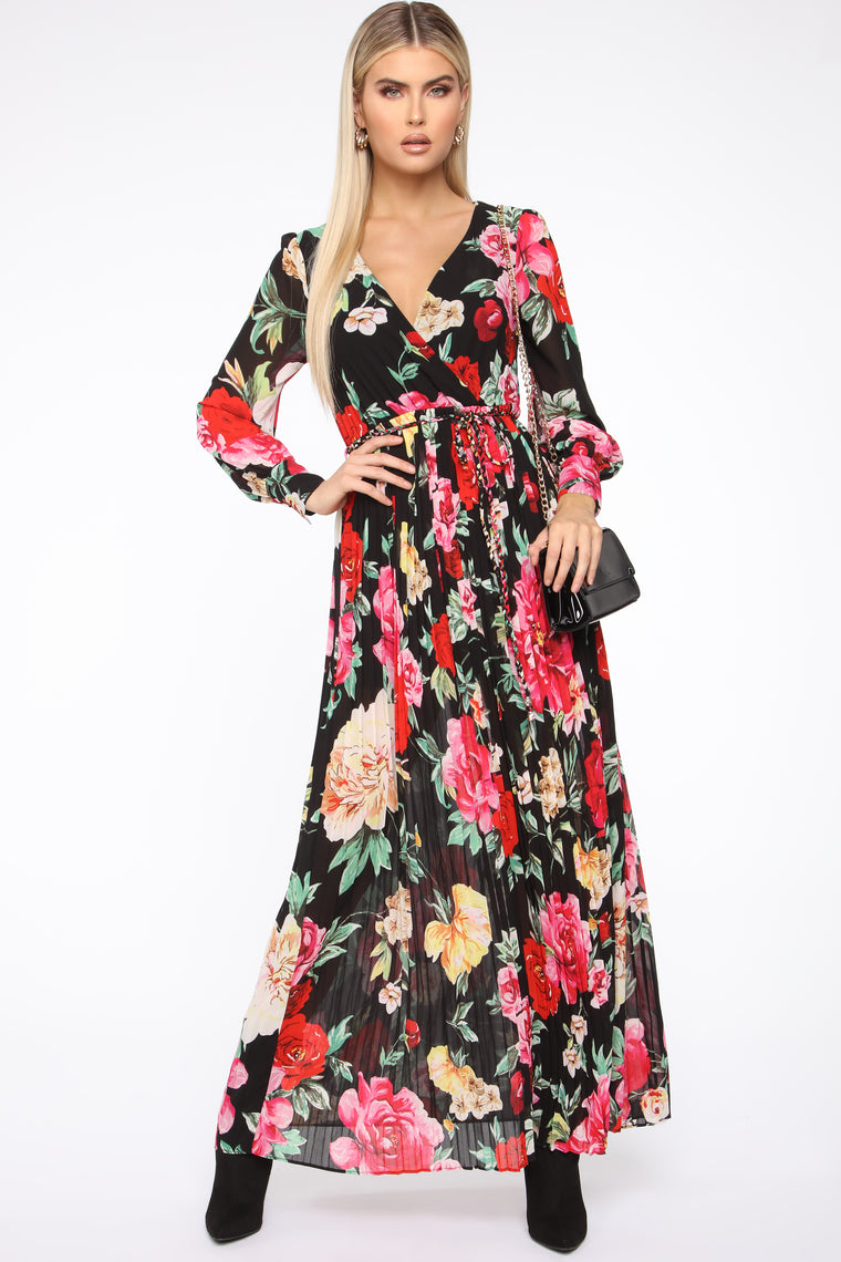 Cheerful Blooms Pleated Maxi Dress   Black/Combo by Fashion Nova