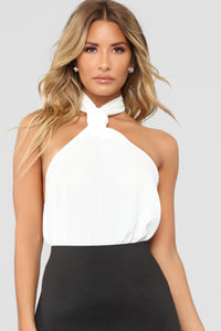 Sure Thing Knot Halter Top - Ivory