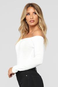 Day To Day Off Shoulder Bodysuit - Off White