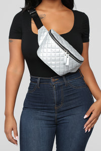 Quilt The Noise Fanny Pack - Silver