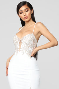 Issa Celebration Embroidered Gown - Cream
