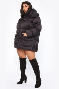 High Demand Puffer Jacket - Black Angle 9