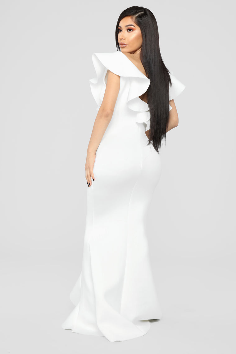 Captivate The Night Ruffle Gown - Ivory