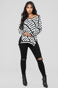 Stay With Me Tunic Sweater - Black/White Angle 2