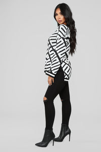 Stay With Me Tunic Sweater - Black/White Angle 4