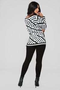 Stay With Me Tunic Sweater - Black/White Angle 6
