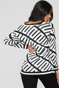 Stay With Me Tunic Sweater - Black/White Angle 5