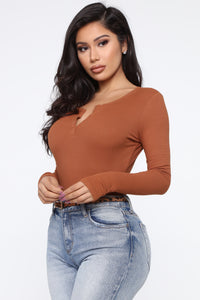 Faye Ribbed Long Sleeve Top - Rust