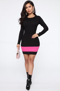 Time To Gossip Sweater Midi Dress - Black/Fuchsia Angle 2