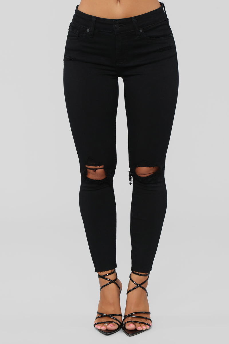 We're Going Places Ankle Jeans - Black