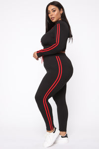 Tennis Courts II Set - Black/Red Angle 11