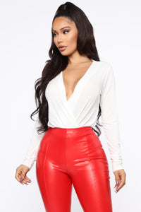 Small Little Lies Surplice Bodysuit - White Angle 3