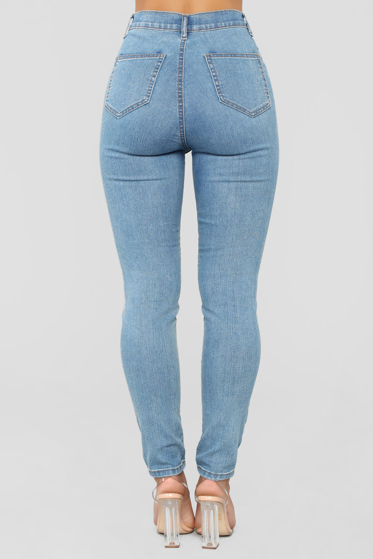Claudia Stretch High Rise Jeans - Light Wash