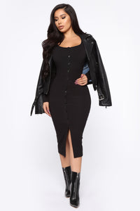 Beverly Button Front Midi Dress - Black Angle 2