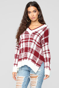 Love To Cuddle Sweater - Burgundy