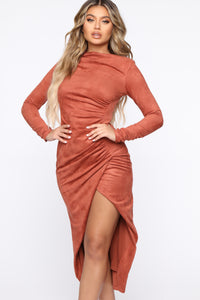 Persuede Me Midi Dress - Rust Angle 2
