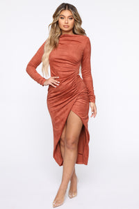Persuede Me Midi Dress - Rust Angle 1