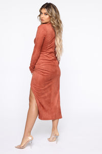 Persuede Me Midi Dress - Rust Angle 4