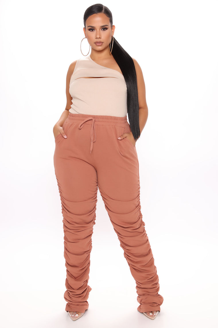 Curves And Chill Stacked Pant - Mocha