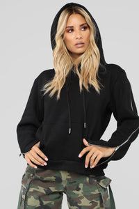 Just Chilin' Hoodie - Black