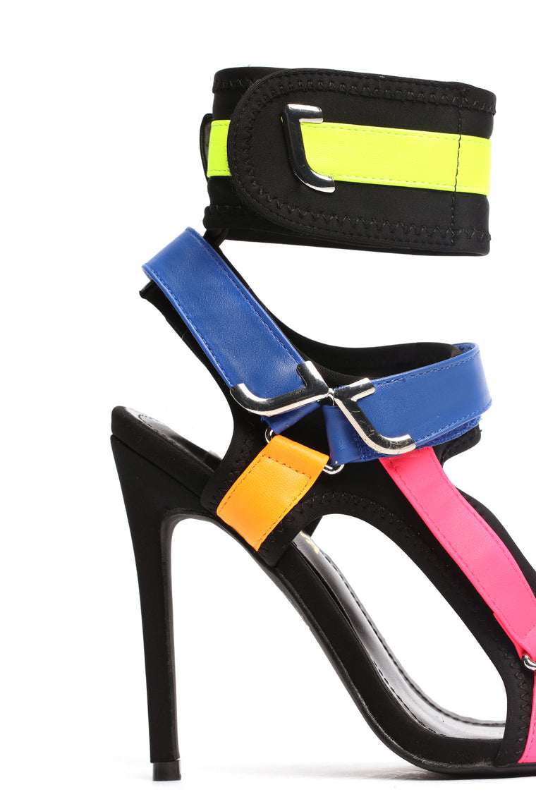 Cunningly Cute Heeled Sandals - MultiColor