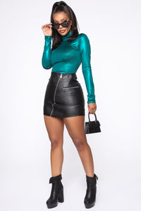 Slick Move Turtleneck Top - Teal