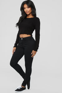 The Classic Marrow Top - Black Angle 3