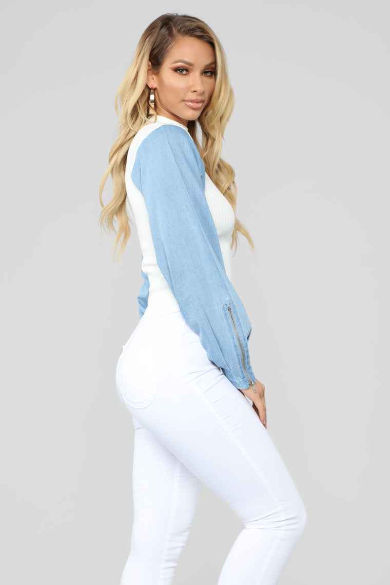 Babe From The Block Cropped Sweater - White