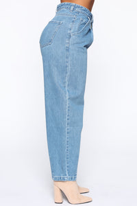 Daydreaming High Rise Mom Jeans - Medium Wash Angle 7