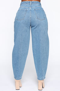 Daydreaming High Rise Mom Jeans - Medium Wash Angle 9