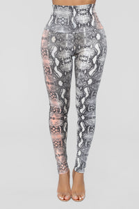 Lets Sneak Around Print Leggings - Grey