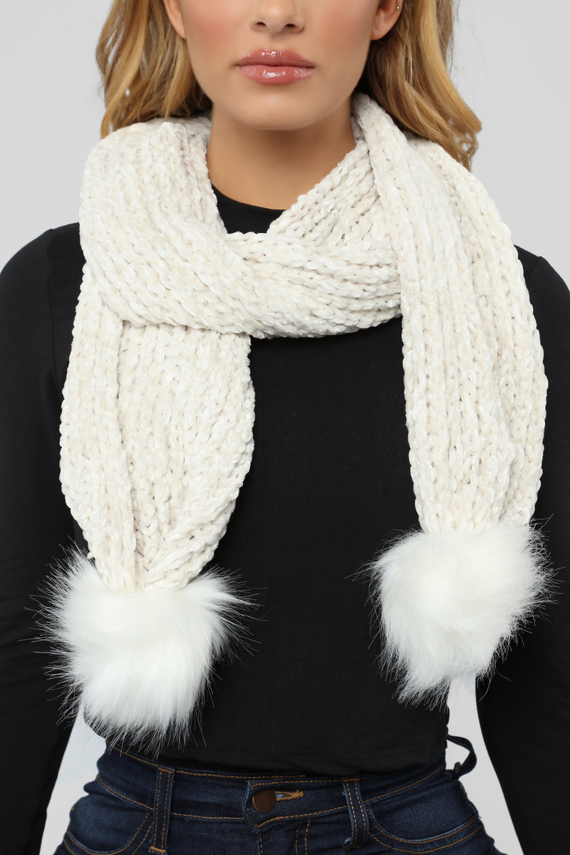 Chenille And Feel Scarf - Ivory