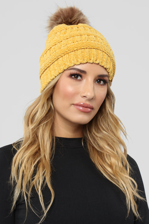 Charging Cable Beanie - Mustard