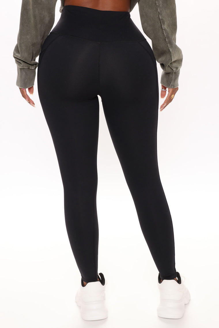 Stay Strong Side Pocket Active Legging In Sculpt Tech - Black