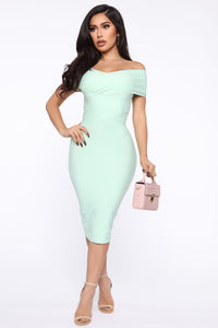 Looking For A Date Midi Dress - Sage Angle 1