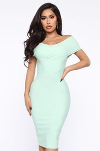 Looking For A Date Midi Dress - Sage Angle 2