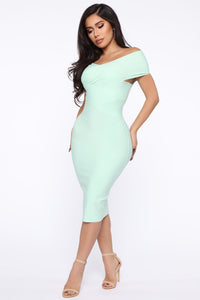 Looking For A Date Midi Dress - Sage Angle 3
