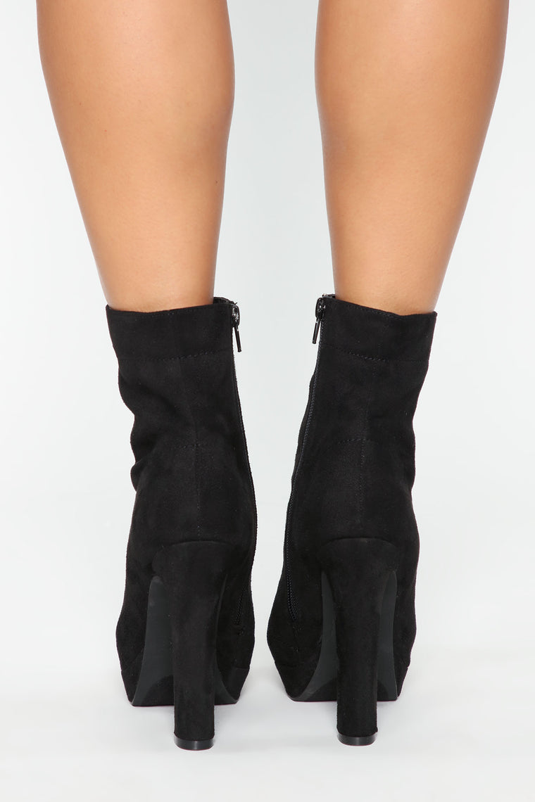 At A Glance Booties - Black