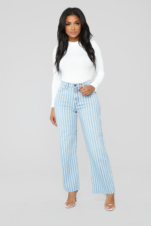 Hamptons Weekend High Rise Jeans - Light Blue Wash