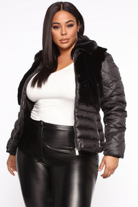 In The Loop Puffer Jacket - Black Angle 6
