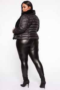 In The Loop Puffer Jacket - Black Angle 10