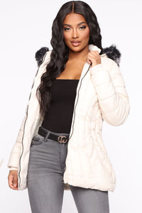Winter Chic Puffer Jacket - Ivory