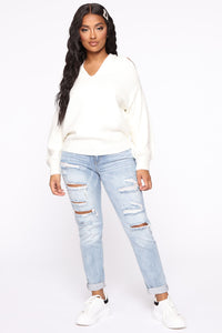 Don't Get It Twisted Sweater - Ivory