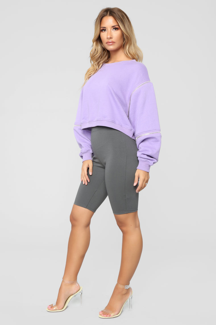 Sk8ter Girl Cropped Sweatshirt - Purple