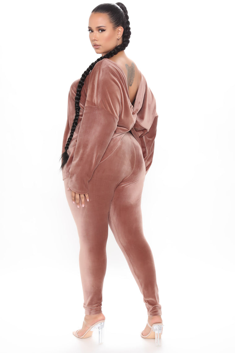 Don't Get This Twisted Super Soft Velour Legging Set - Mocha