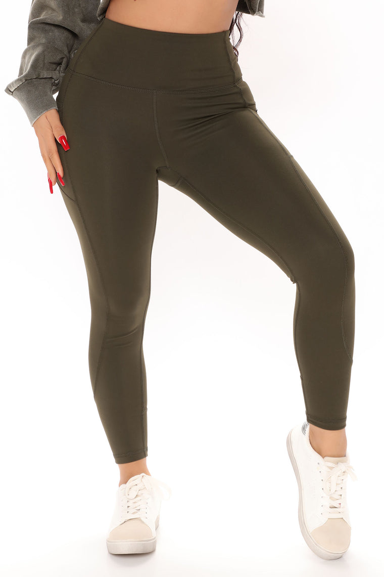 Stay Strong Active Legging In Sculpt Tech - Olive