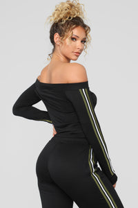 Track Queen Off The Shoulder Set - Black